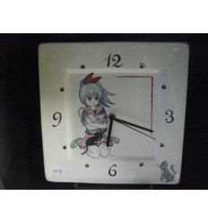 Pendule manga gris et rouge (petit modèle)