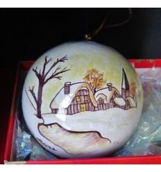 Boule de Noël village enneigé marron